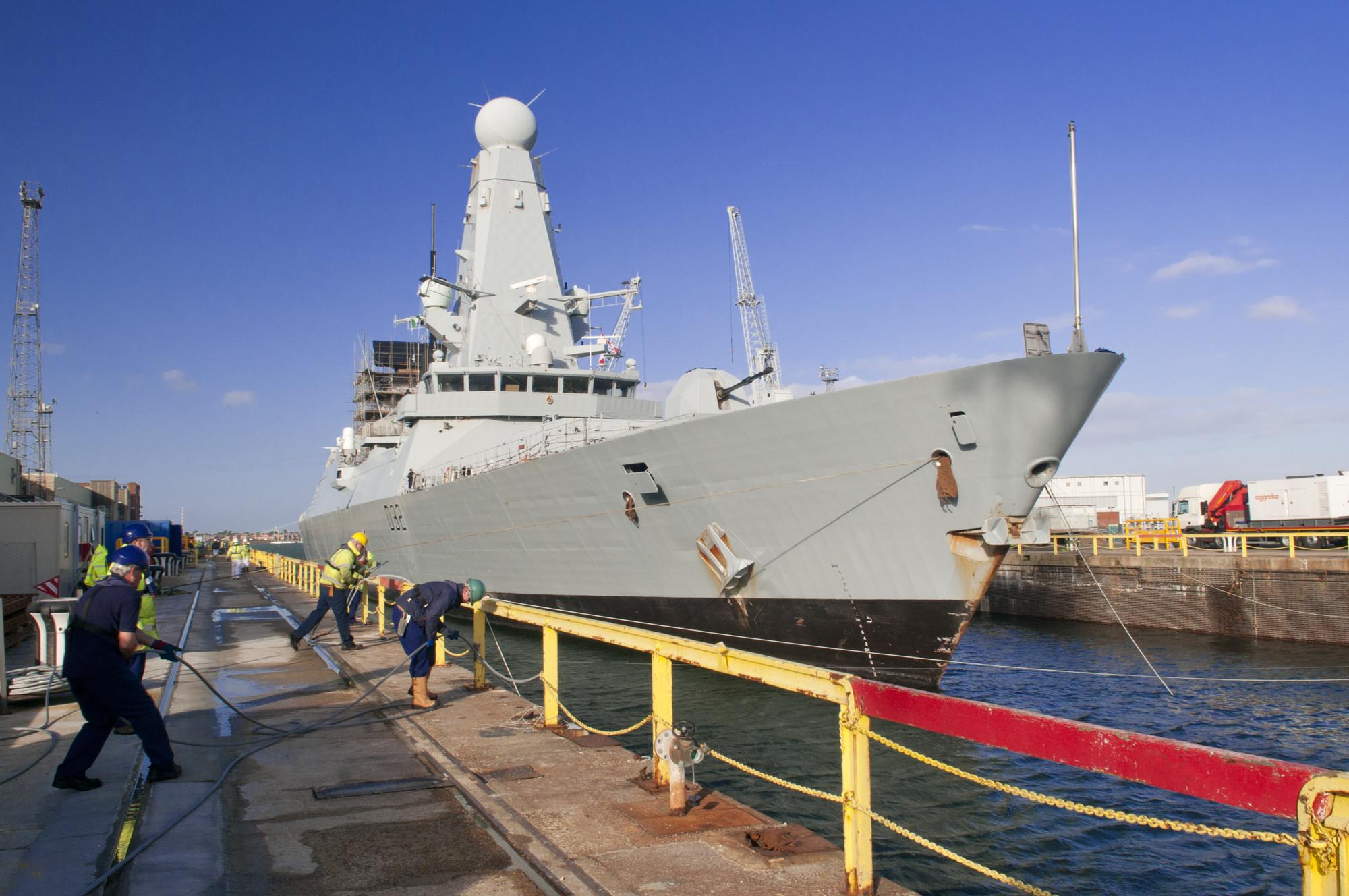 226 HMS Daring in Portsmouth (1)
