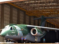 Vídeo Oficial: ROLLOUT do EMBRAER KC-390