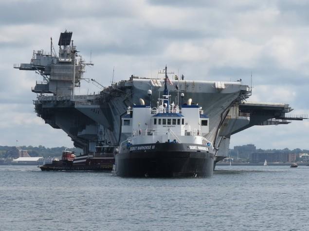 A última viagem do ex-USS Saratoga CV 60 da Classe Forrestal