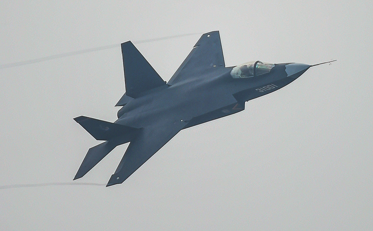China procura parceiros para o J-31: Brasil um provável parceiro?