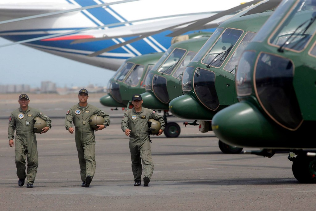 Exercito peruano recebe novas aeronaves Mil mi 17 SHP