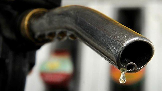 Queda do preço do petróleo é teste para apoio do Irã à Síria