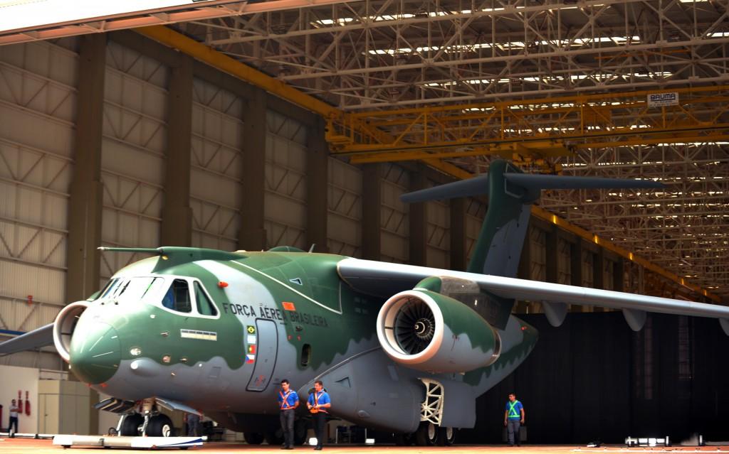 Primeiro voo do KC-390 deve ocorrer na próxima semana