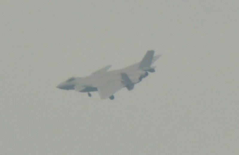 Novo Protótipo do caça J-20 voou neste domingo