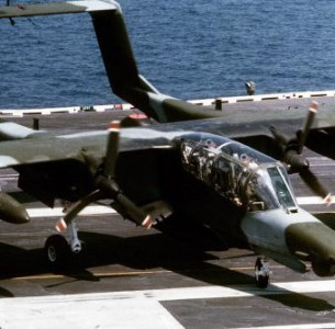 Vídeo:  North American OV-10A  operando a bordo do USS  John F. Kennedy em 1968.