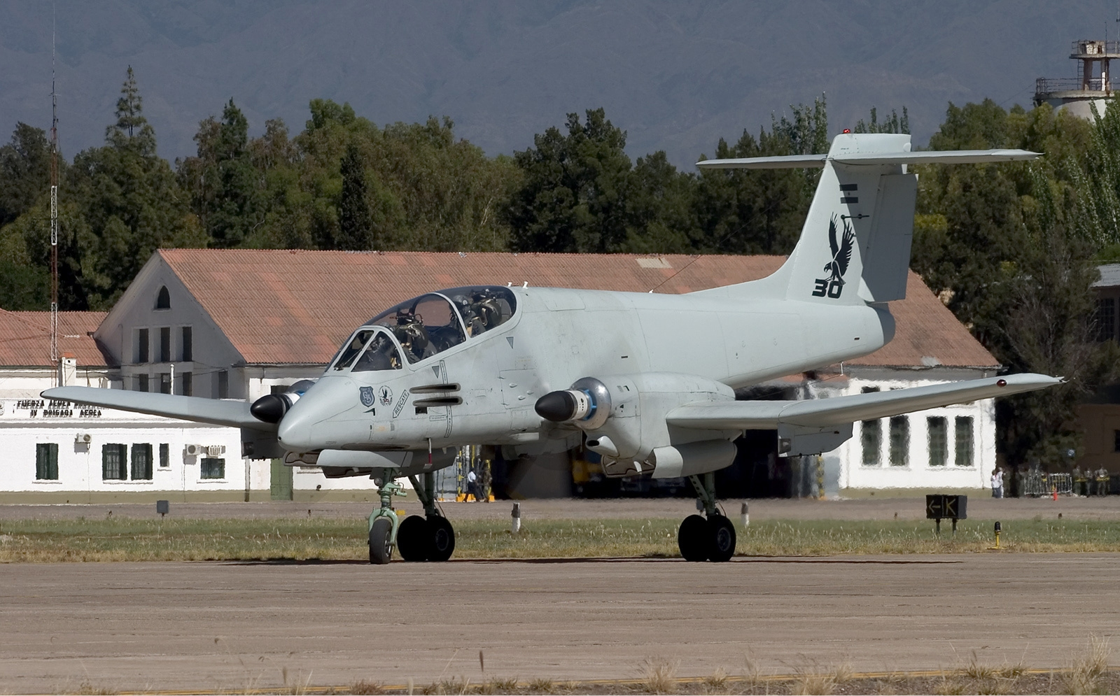 Argentina_Air_Force_FMA_IA-58A_Pucara_Lofting-4