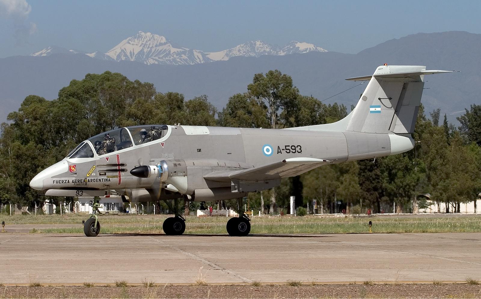 Argentina_Air_Force_FMA_IA-58A_Pucara_Lofting-5