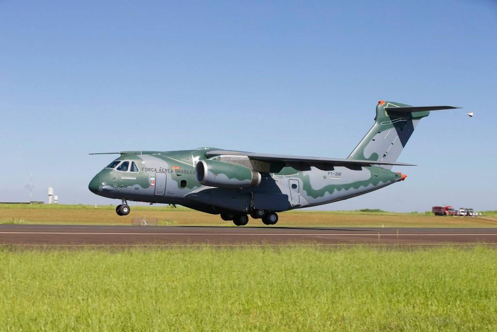 voo do KC 390 Embraer (3)