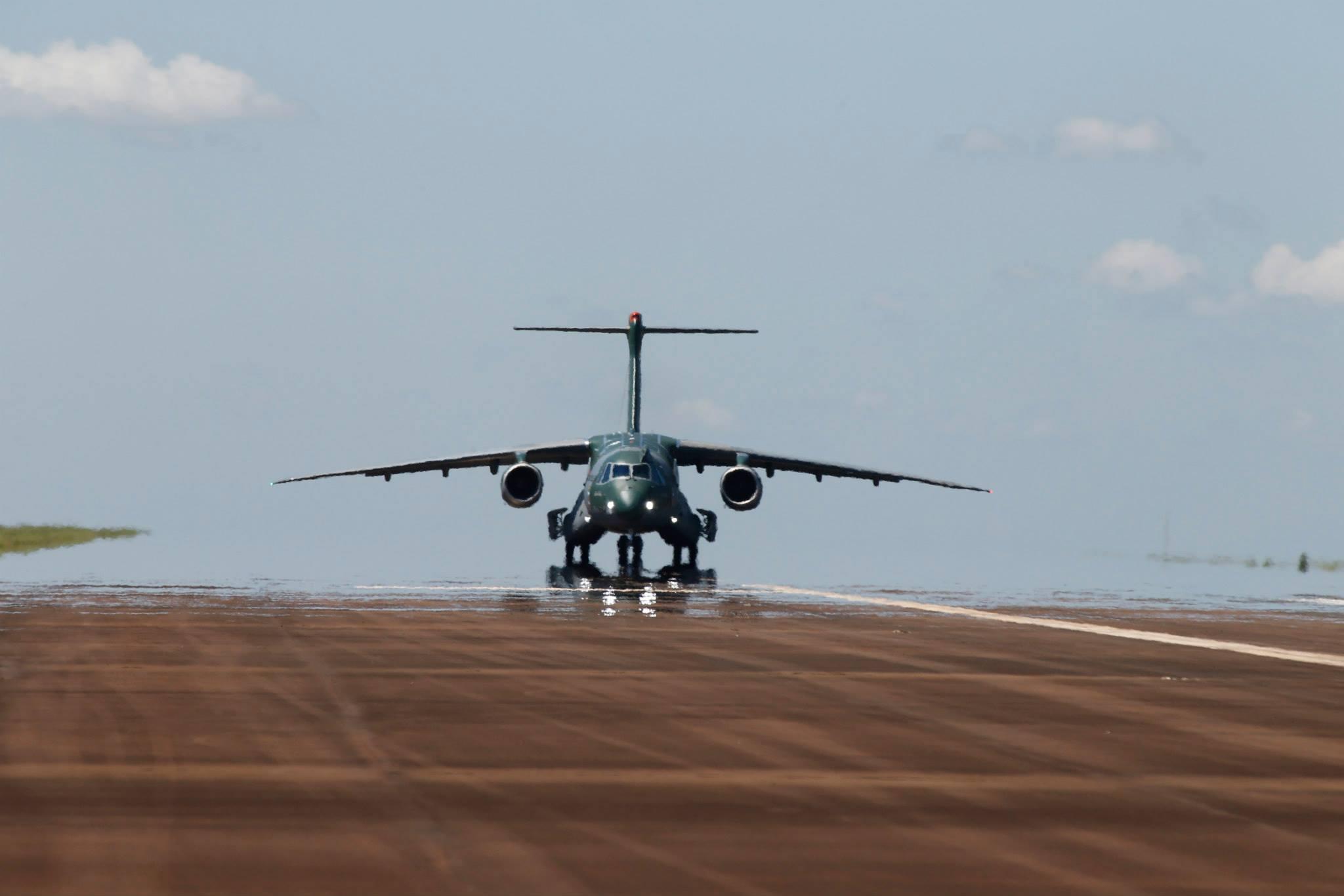 voo do KC 390 Embraer (4)