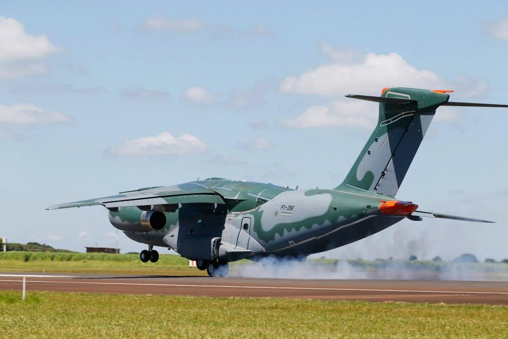 voo do KC 390 Embraer (7)