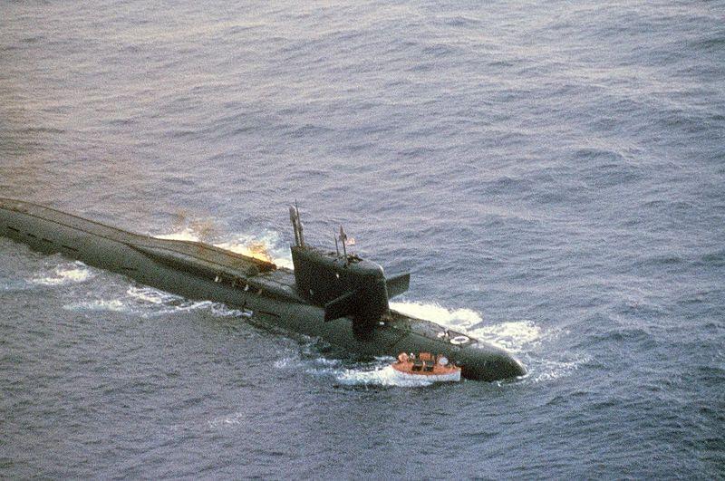 800px-Submarine_Yankee_I_damaged