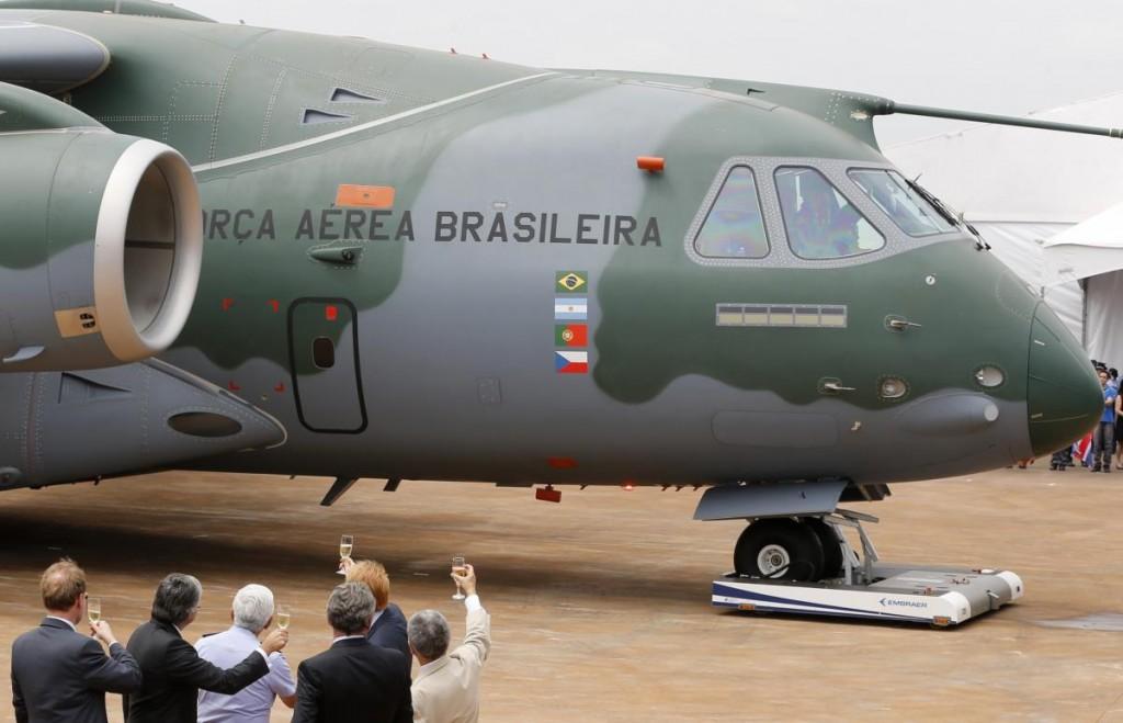 Italianos querem comprar avião cargueiro feito no Brasil, informa Planalto