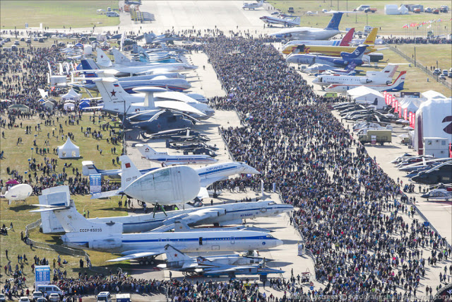 Aerial view of Russian MAKS-2015 air show 1 (1)