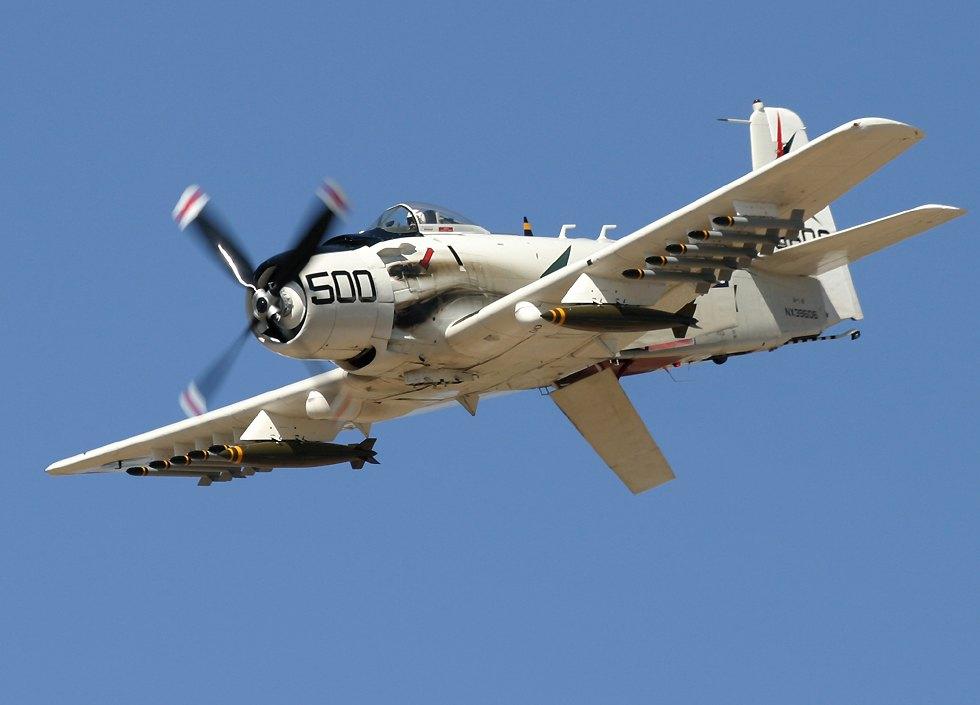 Douglas Skyraider A-1 Bruto e Letal