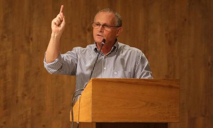 'Brasil não está em guerra para ter fuzis', afirma secretário de Segurança