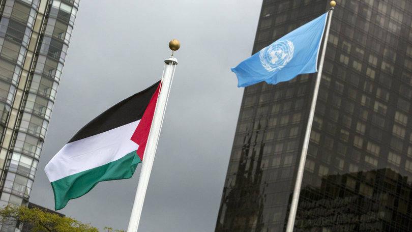Bandeira da Palestina é hasteada pela 1ª vez na sede da ONU