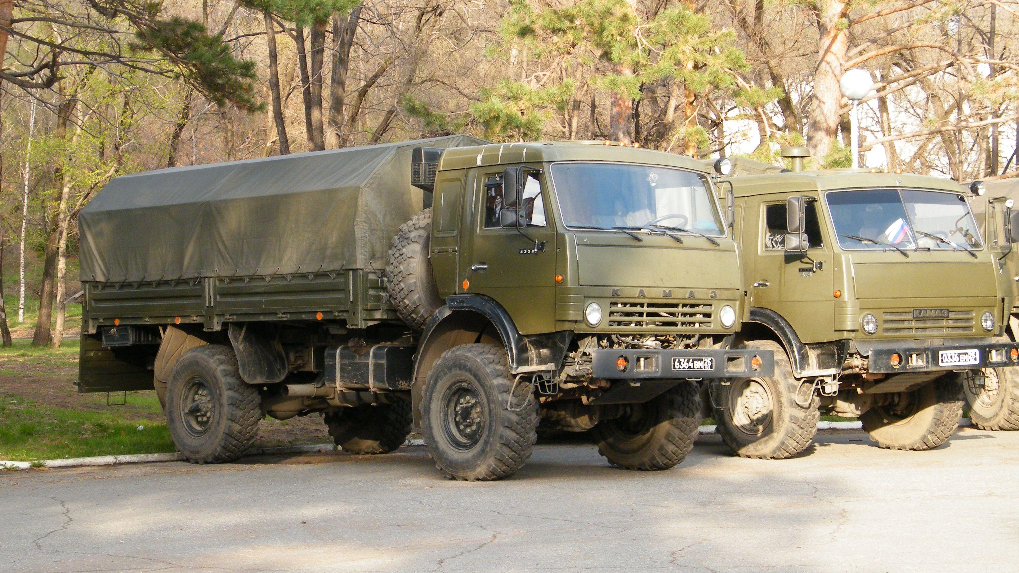 КАМАЗ-4350_и_КАМАЗ-4326
