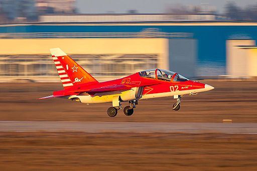Com dificuldades orçamentárias, SAAF envia pilotos para treinar na Rússia