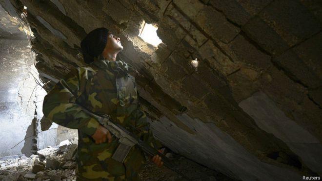 Líbia vive caos com 2 governos, 1.700 milícias e avanço do Estado Islâmico