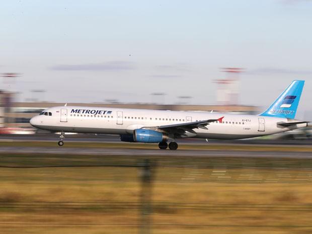 Avião russo cai no Sinai e deixa 224 mortos