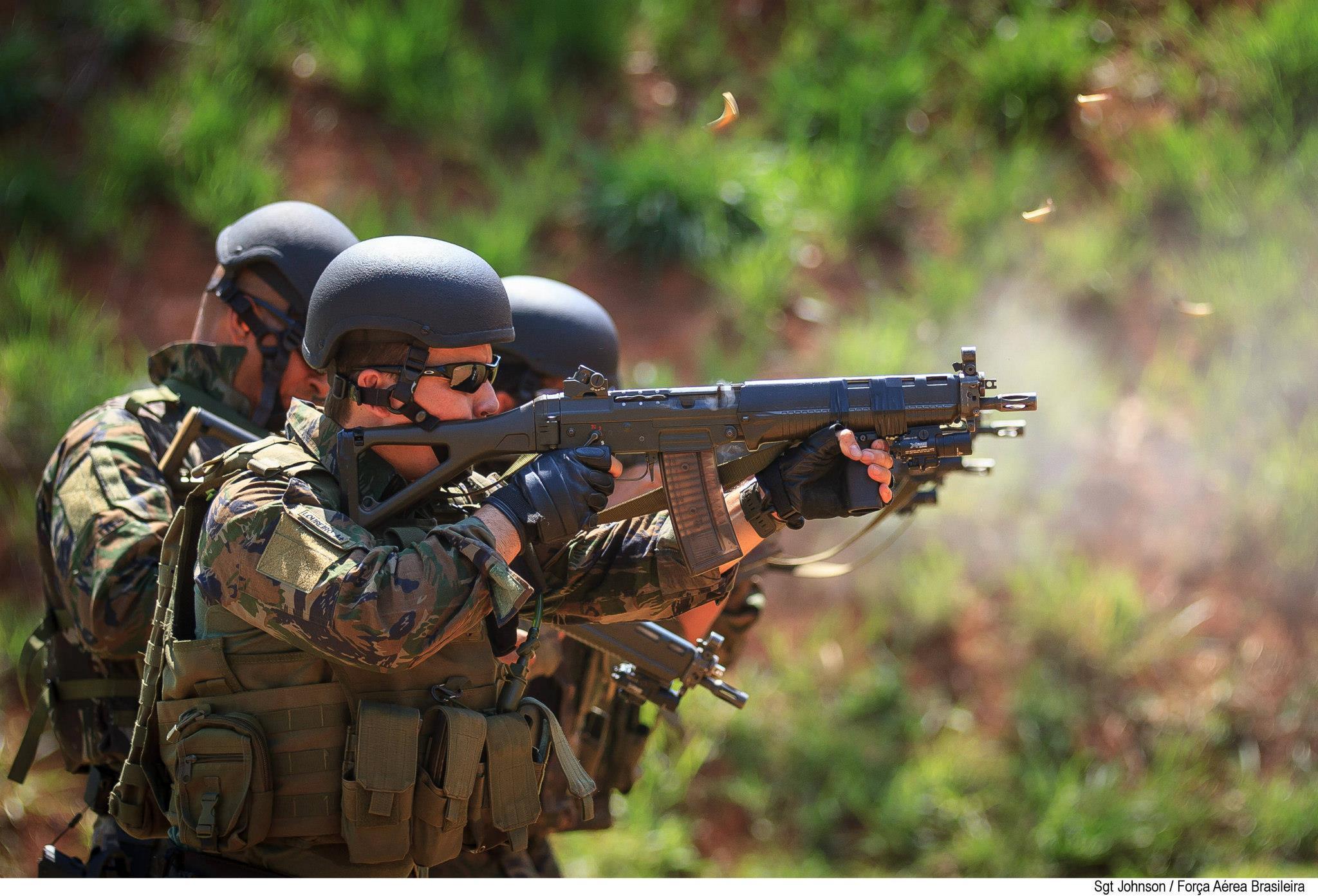 FAB PÉ DE POEIRA: PARA-SAR participa da fase de combate urbano do adestramento para grandes eventos