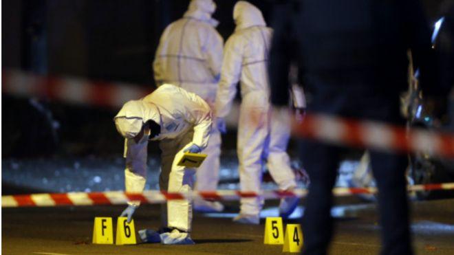Com mais de cem mortos em casa de shows, França vive ataque mais letal de sua história recente