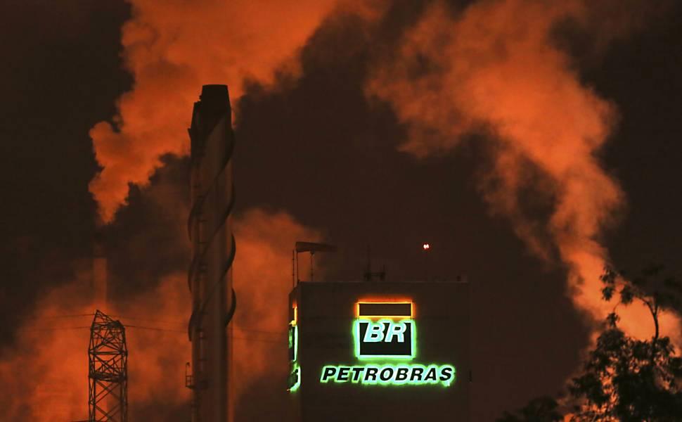 Com alta de 60%, rombo de fundo de pensão da Petrobras vai a R$ 10 bi