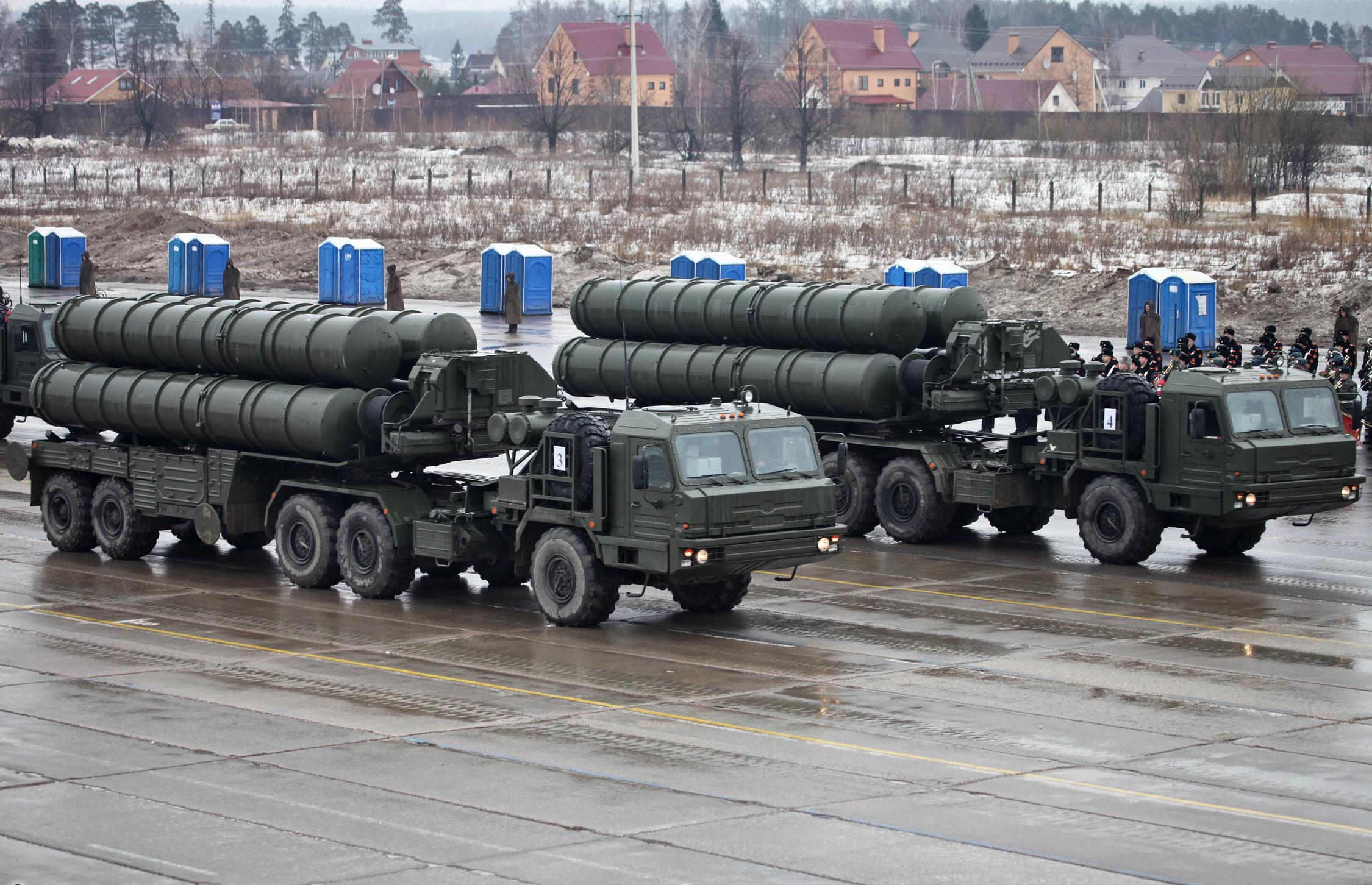 Após incidente Rússia desloca unidades S-400 para Síria