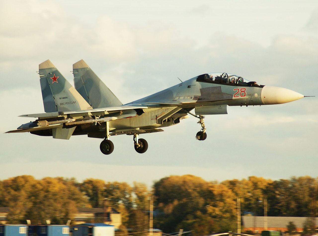 VKS desloca outros 10 a 12 caças SU 27 ou SU 30 para Latakia