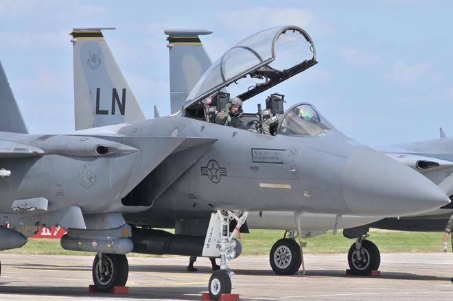 Falta de recursos pode forçar a USAF a comprar 72 novos caças F-15 ou F-16