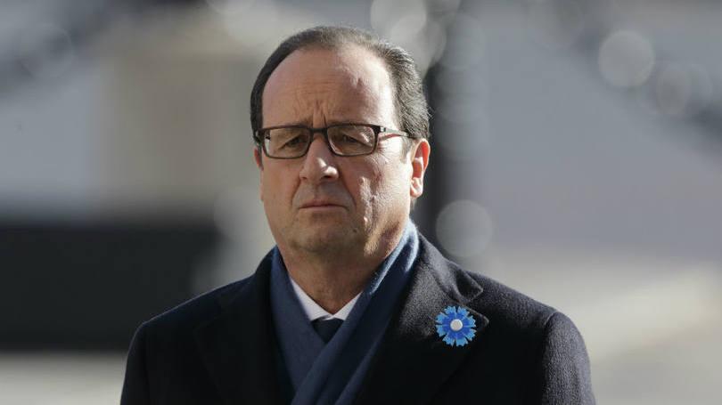 """Hollande diz que França """"não terá piedade"""" de terroristas"""