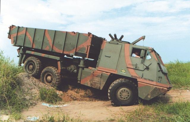 O fantástico caminhão Astros PLM 6×6