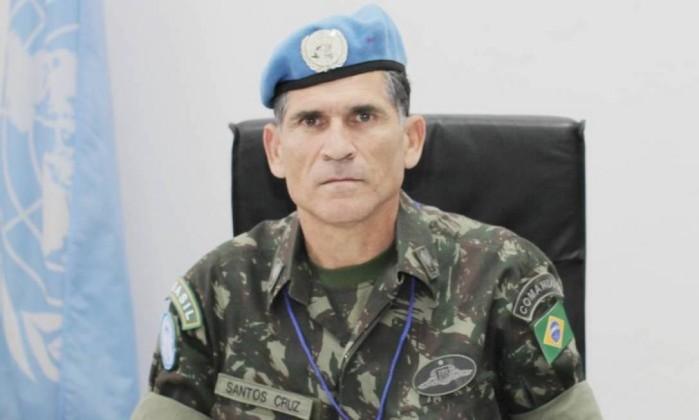 Brasileiro deixa comando das forças de paz da ONU na República Democrática do Congo