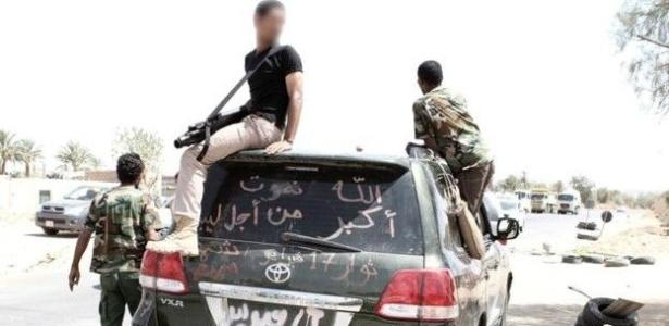o-trajeto-de-um-fuzil-europeu-ate-as-maos-de-extremistas-1449600901145_615x300