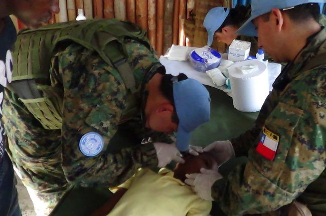 A fase final do envolvimento do Chile na futura missão na República Centro-Africana será ampliar a assistência médica. [Foto: Departamento de Relações Públicas do Exército Chileno]
