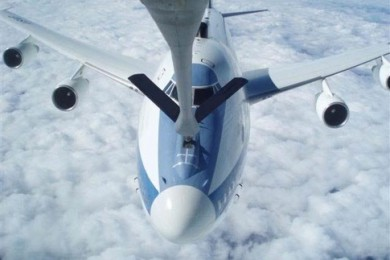 O 747 presidencial pode ser reabastecido em voo (USAF)
