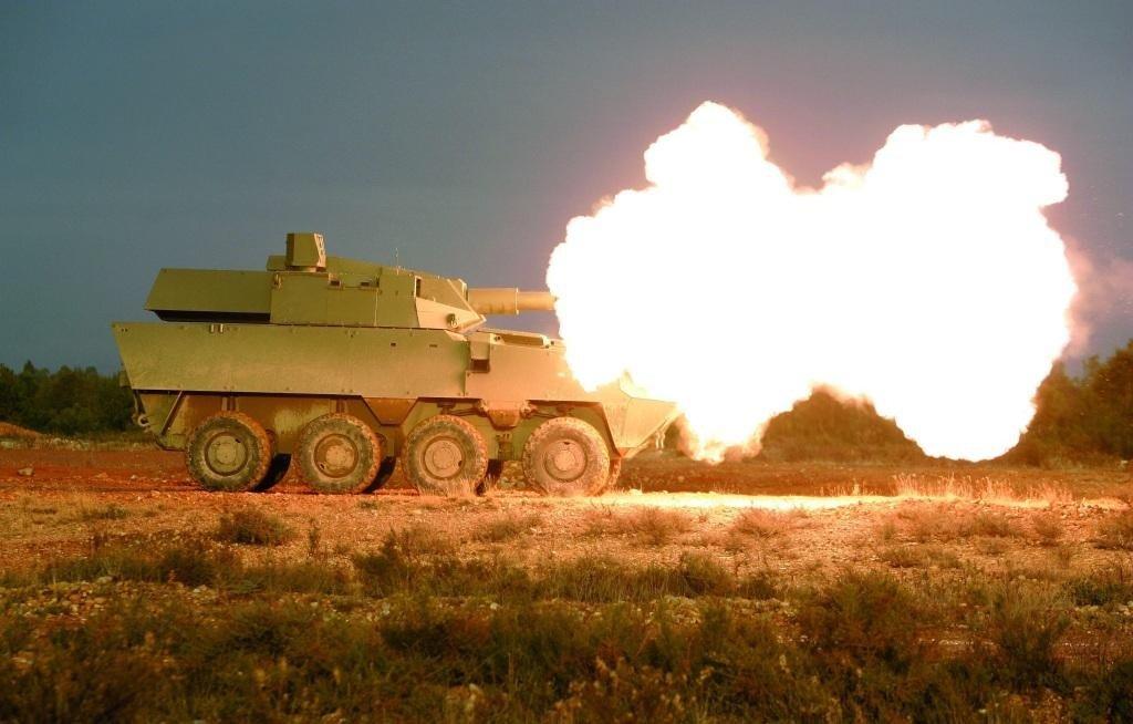 'Jane's' diz que o Exército tem planos de comprar 200 unidades do blindado de reconhecimento que for escolhido para substituir o Cascavel