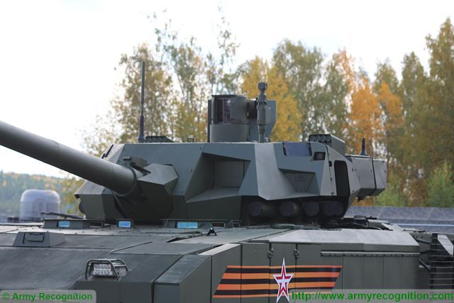 Russian-made_main_battle_tank_T-14_Armata_protected_with_new_generation_of_ERA_armor_640_002