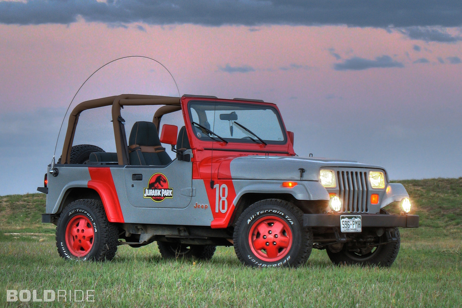 jeep-wrangler-jurassic-park.1578x1051.Jun-10-2015_08.35.14.480196