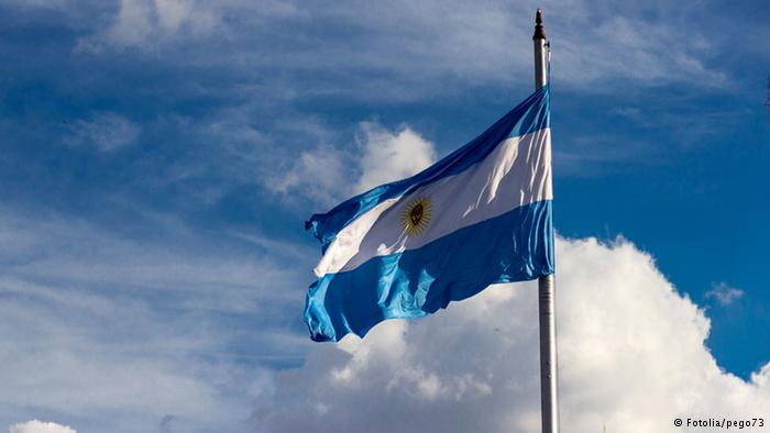 """Argentina chega a acordo com fundos """"abutres"""""""