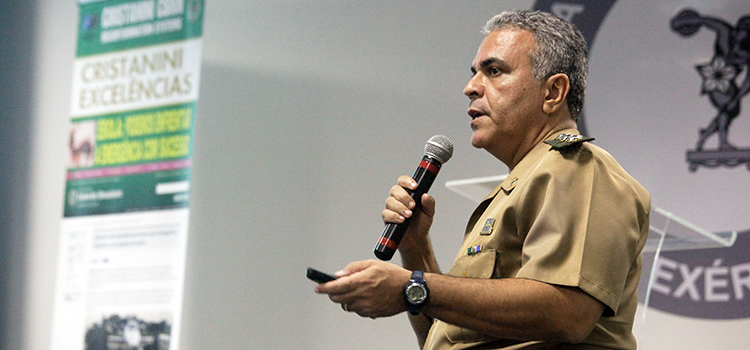 Coronel De Lamare, assessor de DQBRN do Ministério da Defesa