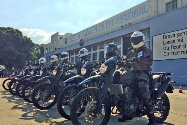 FAB PÉ DE POEIRA: BINFAE-RJ realiza Curso de Motociclista Militar – Batedor