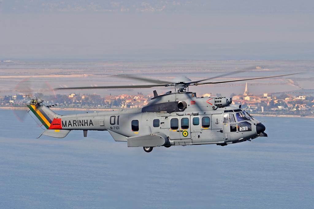 ADSUMUS: Grupamento de Fuzileiros Navais de Brasília (GptFNB) realiza adestramento com  Helicópteros UH-15 Super Cougar da MB.