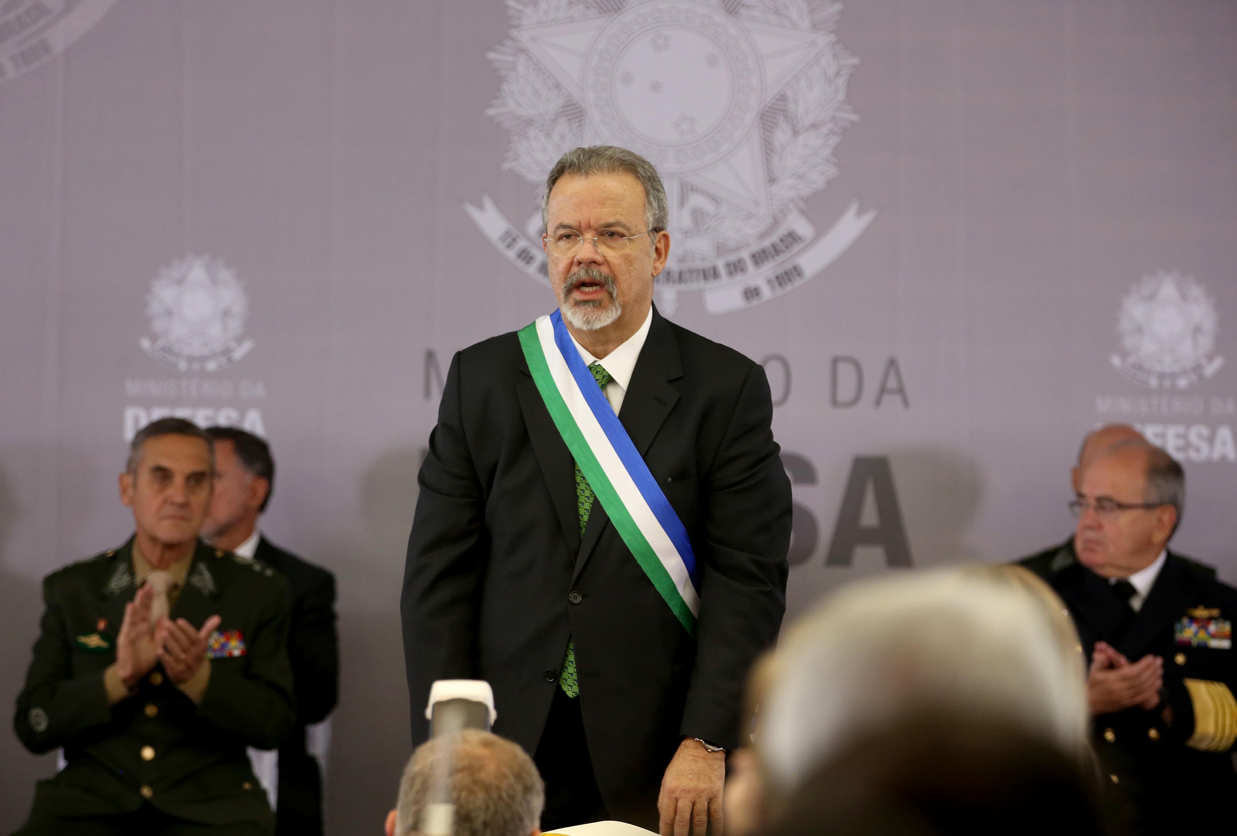 Brasília - O novo ministro da Defesa, Raul Jungmann, toma posse em cerimônia no Clube da Aeronáutica de Brasília (Wilson Dias/Agência Brasil)
