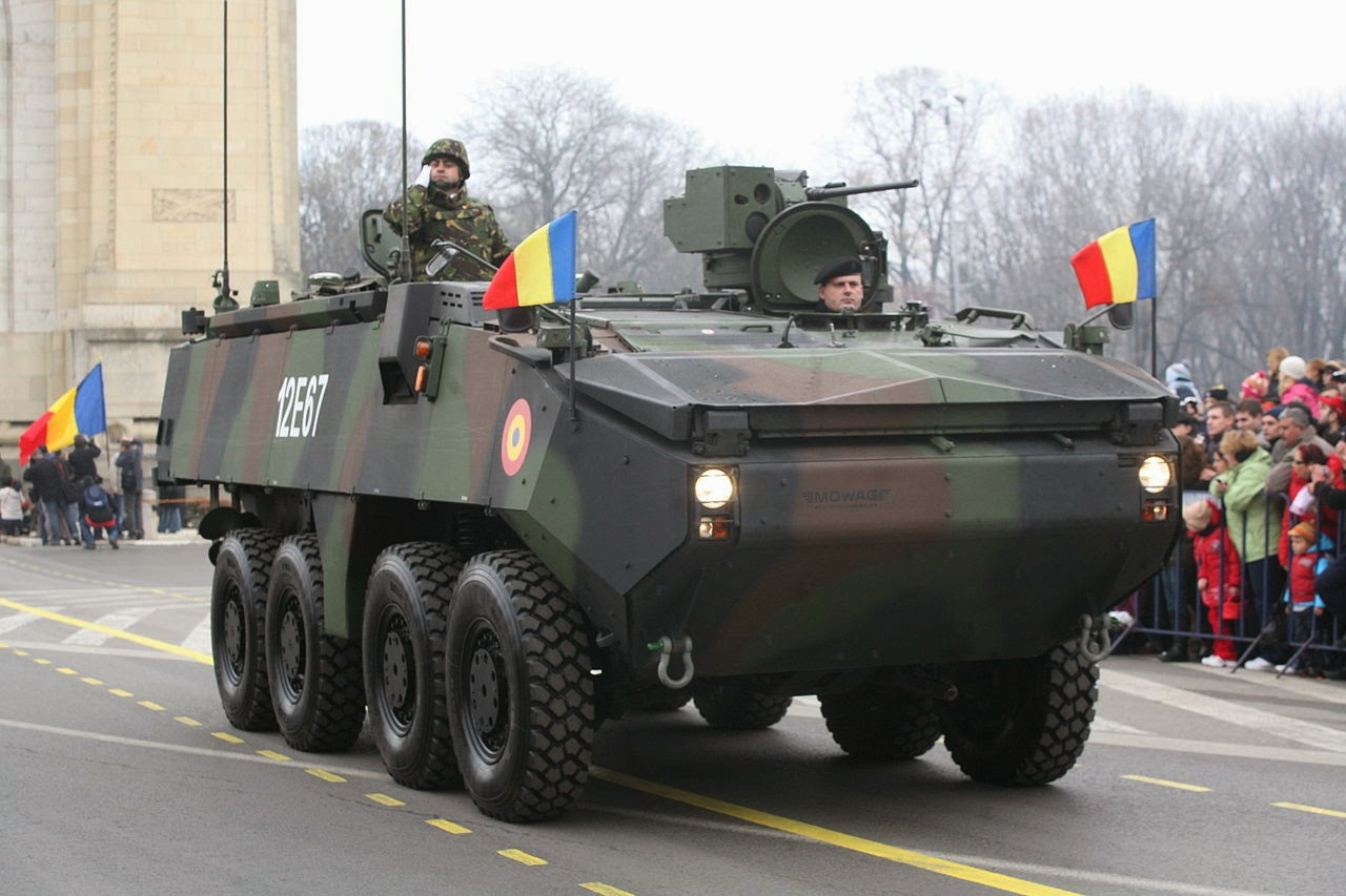 PIRANHA IIIC 1280px-MOWAG_Piranha_IIIC_Military_Parade_on_December_the_1st_2009 (1)