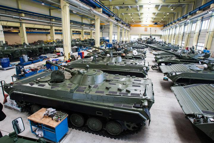 Depois de comprar 20 helicópteros por apenas USD 3 milhões (!) Ministério da Defesa argentino vai a uma fábrica checa de blindados atrás de outras pechinchas…