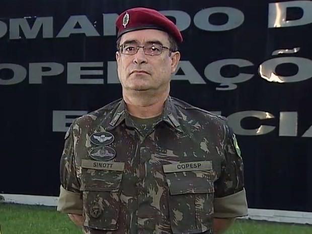 Fotografia 1: Gen Bda Mauro Sinott Lopes, comandante do COpEsp e do CCPCT.
