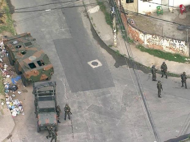 Patrulha do Exército foi atacada na região nesta quarta-feira (4) (Foto: Reprodução / TV Globo)