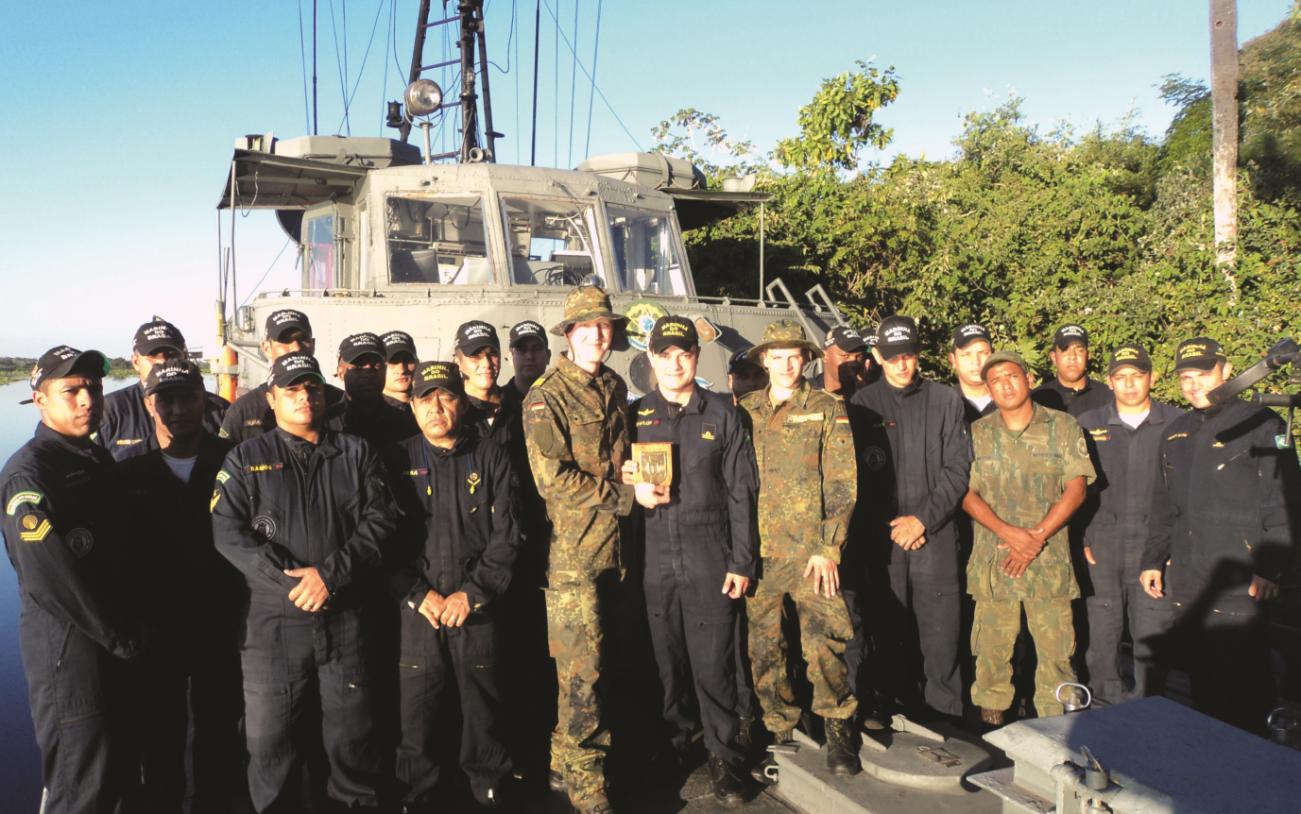 Navio-Patrulha Piratini realiza intercâmbio com a Marinha da Alemanha