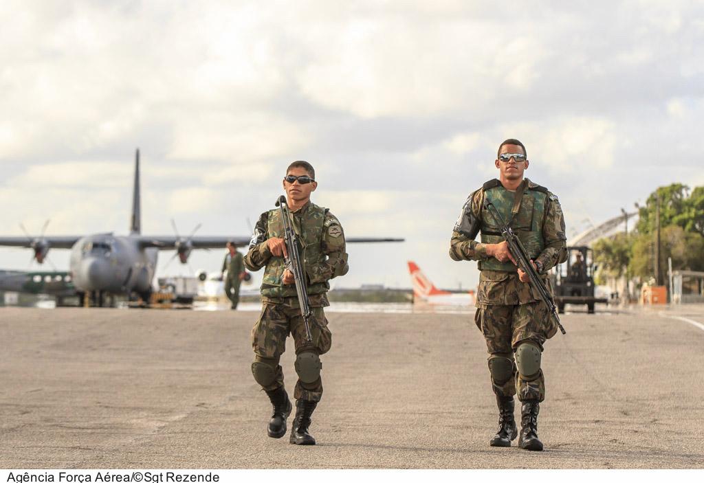 FAB PÉ DE POEIRA:  A Histórica participação  da infantaria na  CRUZEX Flight 2013